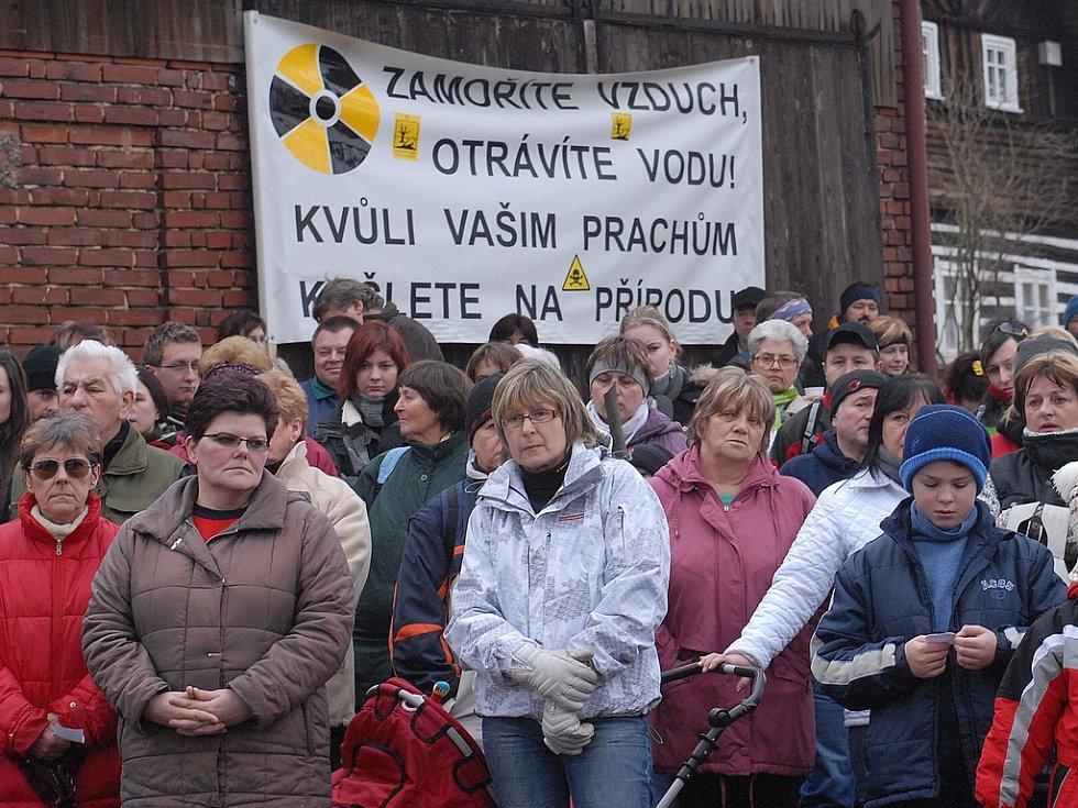 Lidé z Podještědí již proti těžbě uranu několikrát protestovali.
