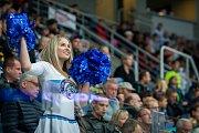 Utkání 6. kola Tipsport extraligy ledního hokeje se odehrálo 30. září v liberecké Home Credit areně. Utkaly se celky Bílí Tygři Liberec a BK Mladá Boleslav. Na snímku je roztleskávačka Tigers Cats.