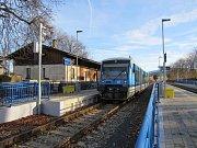 Železničáři udělali ve čtvrtek 23. listopadu definitivní tečku za půlmiliardovou rekonstrukcí nádraží ve Frýdlantě a Raspenavě a přilehlých tratí.