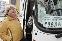 Autobusy Dopravního podniku města Liberce jezdí každodenně z terminálu ve Fügnerově ulici.
