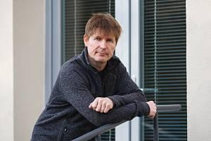 Ivo Lánský - vedoucí Poradny pro rodinu, manželství a mezilidské vztahy Centra intervenčních a psychosociálních služeb Libereckého kraje v Liberci.