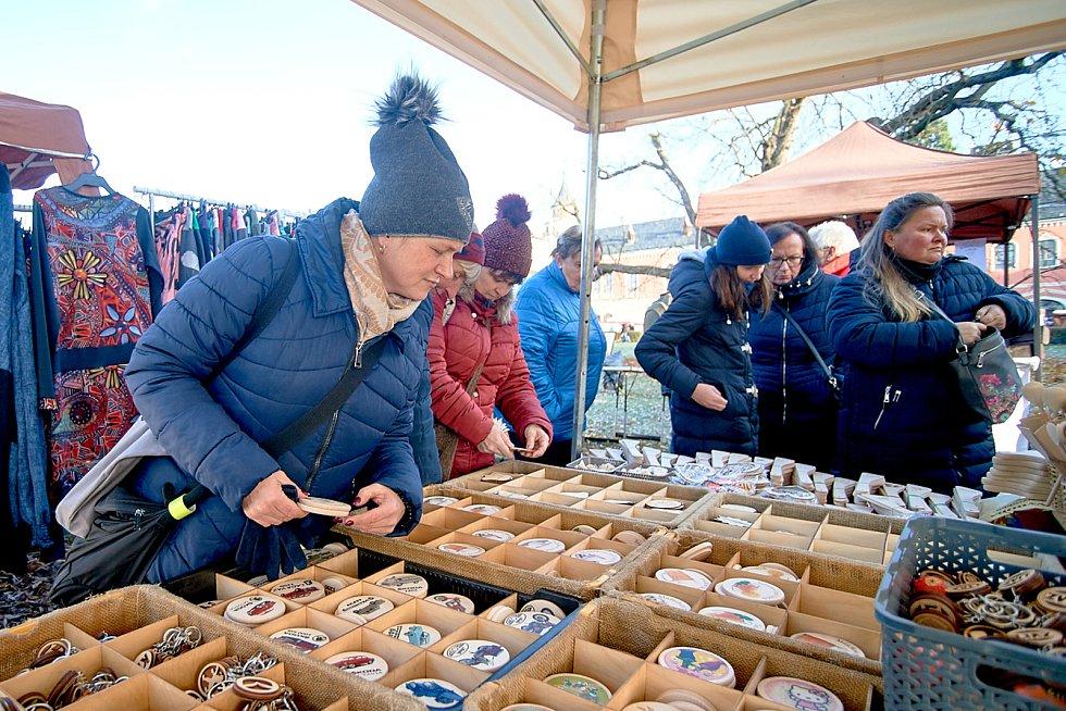 Adventní trhy na Sychrově.