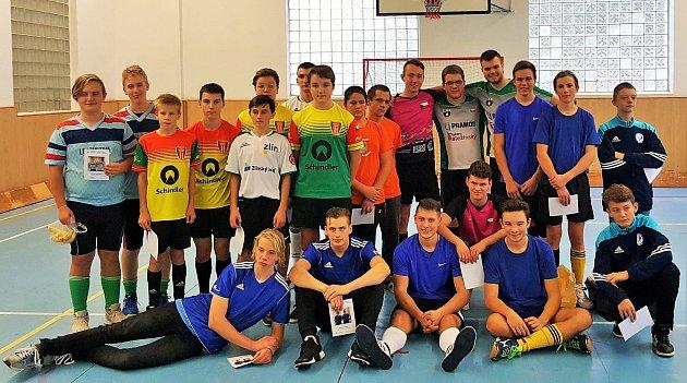 Junioři zápolili na kolech v Chrastavě a Liberci.Spartak Chrastava v oranžových dresech, Lokomotiva Liberec ve světle modrých.