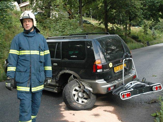 Dopravní nehoda na silnici z Liberece do Bedřichova.