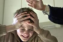 ŽENĚ HROZÍ OSM LET. Dvaačtyřicetiletá žena nepřiměřeně trestala své děti.