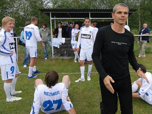 Trenér Vítězslav Lavička  s fotbalisty Slovanu Liberec.