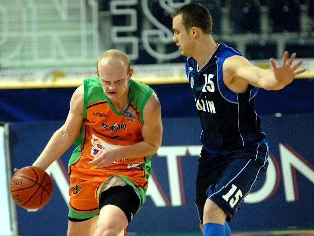KONEČNĚ! L. Tóth pomohl Kondorům proti Kolínu k vítězství po 11 prohrách.