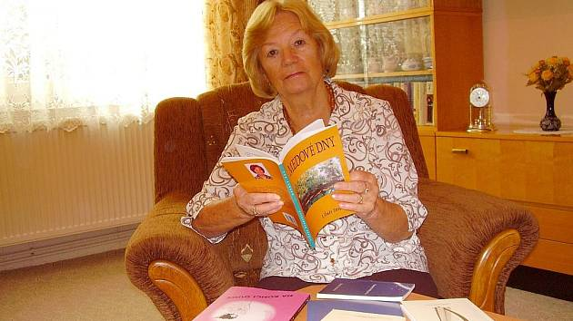 BÁSNÍŘKA LIBUŠE SVOBODOVÁ studovala ekonomickou školu v Liberci.