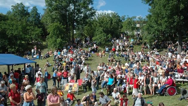 KŘIŽANSKÝ DIXIELAND LÁKAL. Festival jazzových orchestrů navštívilo zhruba dva a půl tisíce lidí.