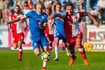 Utkání Slovanu Liberec proti Slavii Praha. Jan Mikula (vlevo) a Stanislav Tecl