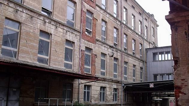Bývalá textilana v Novém Městě pod Smrkem.