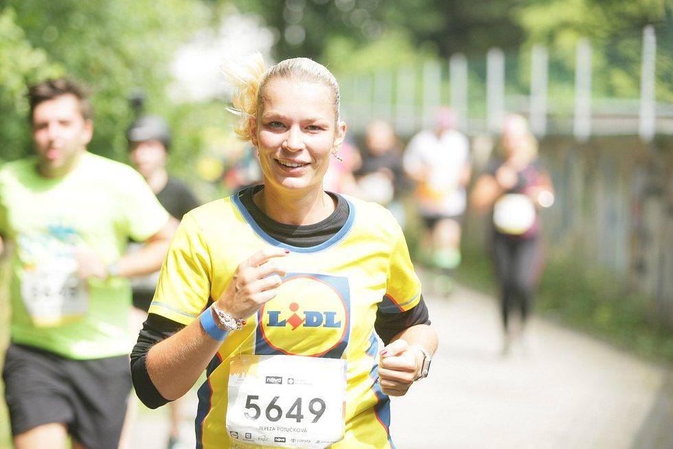 Nejen amatérští běžci si vyzkoušeli své schopnosti při libereckém RunTour.