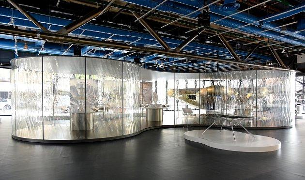 TANČICÍ PAVILON LiquidKristal na výstavě Convergence v Centre Pompidou.