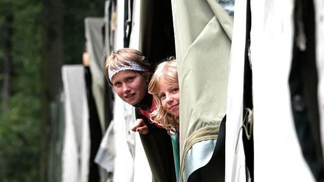 Jeden z oblíbených dětských letních táborů je tábor ve Ferdinandově u Hejnic pod Jizerskými horami.