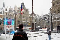 Místem pro udílení medailí nejúspěšnějším sportovcům Mistrovství světa v klasickém lyžování Liberec 2009 bude prostor před radnicí na Benešově náměstí, kde pro tyto účely vyrostlo obří pódium.