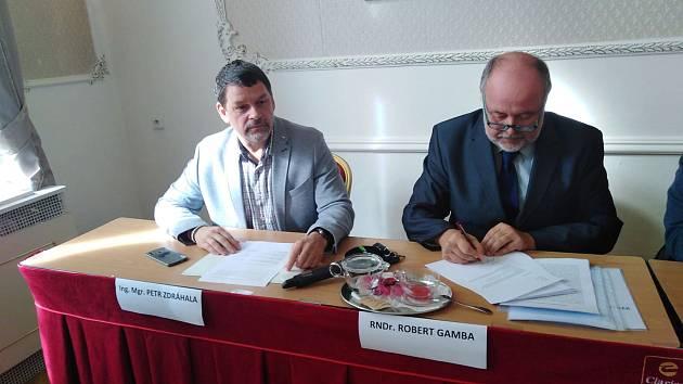 Petr Zdráhala a Robert Gamba, odcházející členové hnutí ANO.