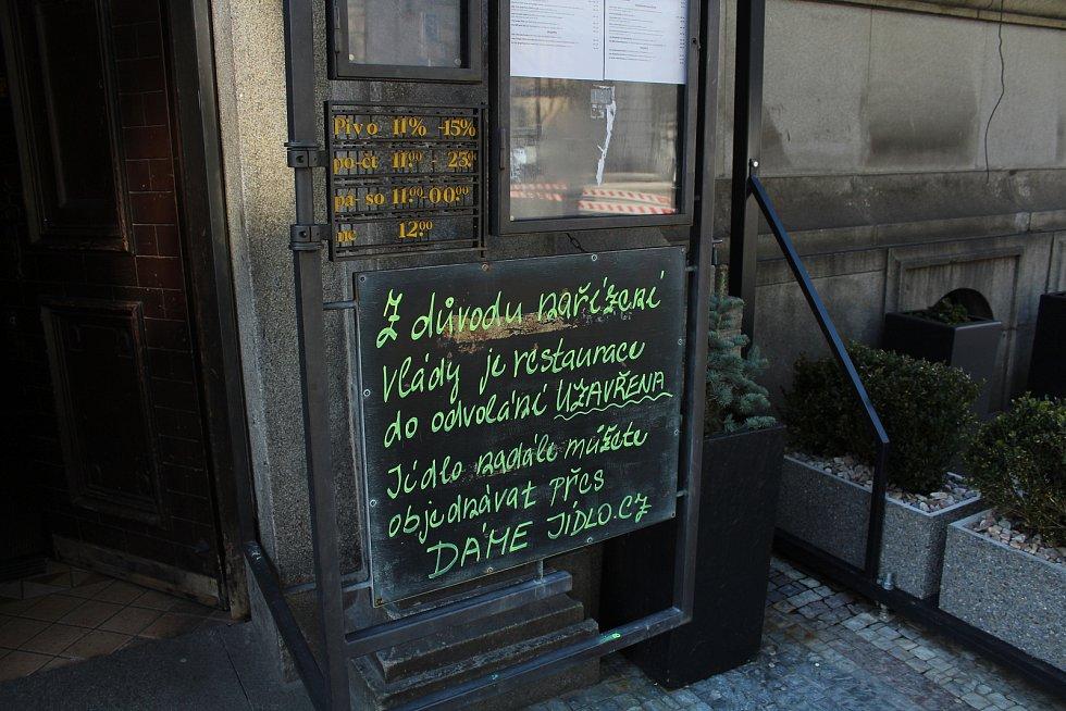 Restaurace Radniční sklípek informuje o omezení provozu.