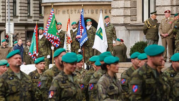 Oslava stoletého výročí chemického vojska na libereckém náměstí.