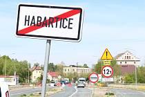 V pondělí 18. května, se poprvé po 8 týdnech otevřel hraniční přechod Habartice – Zawidów. Zatím jen pro pendlery a nákladní dopravu. Zájem byl velký na obou stranách.