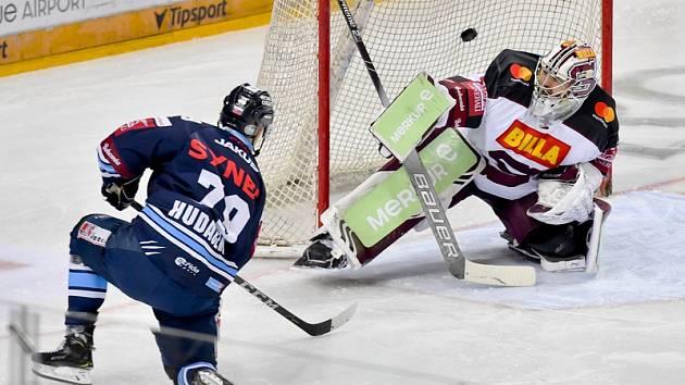 Liberec porazil Spartu 6:2. Zakončující Libor Hudáček zaznamenal na ledě O2 arény hattrick.