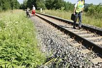 ZEMŘEL NA PŘEJEZDU. 37letý cyklista koncem června ve Stráži nad Nisou nerespektoval výstražná značení a vjel přímo pod vlak. Byl na místě mrtvý.