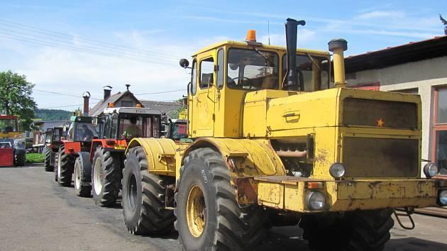 Sovětský traktor v Bohdalovicích