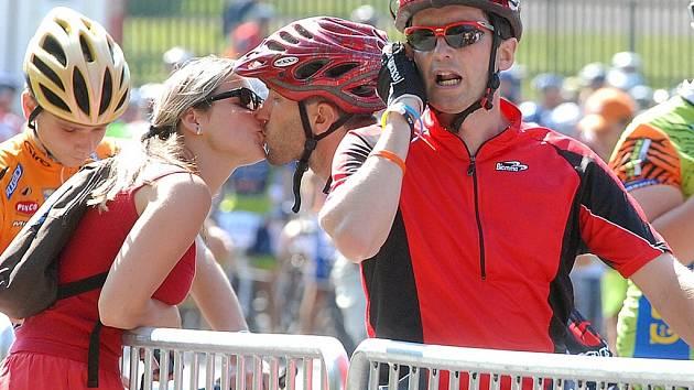 JELO 1200 ZÁVODNÍKŮ. Horská služba ošetřila na čtyři desítky zraněných cyklistů.
