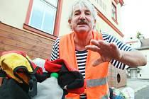 Bývalý námořník a majitel liberecké hospody U námořníka Ján Jurco se vrátil z Hamburgu, kam se vypravil na kole.