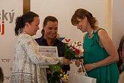 Vyhlášení osmého ročníku celonárodní soutěže Žena regionu proběhlo za Liberecký kraj 17. května v Kavárně Pošta v Liberci. Na snímku vlevo Hana Böhme a vpravo Radka Loučková Kotasová.