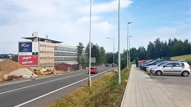 """Město Turnov začíná budovat novou autobusovou zastávku """"U Lidlu""""."""