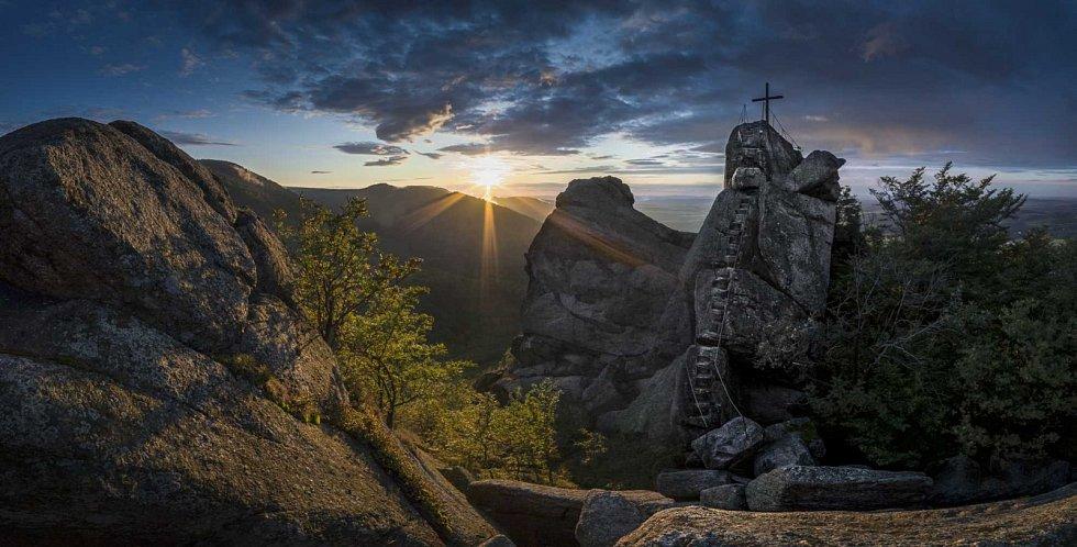 Ořešník při západu slunce