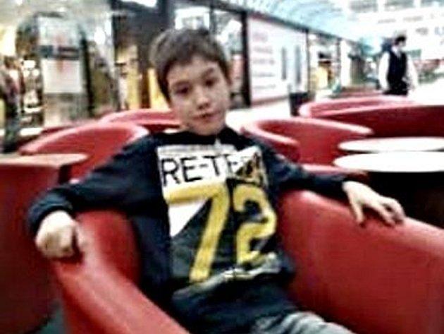 Pohřešovaný chlapec už je doma