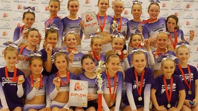 NEJLEPŠÍ V REPUBLICE. Cheerleaders A-stylu se skvělými výkony ve všech věkových kategoriích dostali do TOP 5 nejlepších týmů v České republice.
