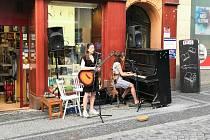 Koncert v Pražské ulici.