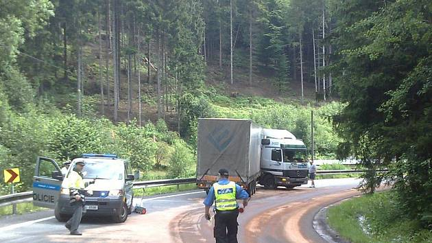 SILNICE I/10. Hlavní tah do Polska, který obsahuje úseky častých dopravních nehod, by měl od státu převzít kraj.