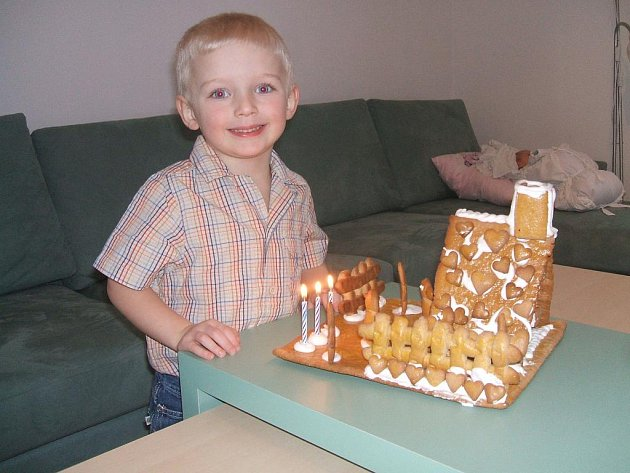 Očička mého synovce Šimonka září jak ty svíčky na perníkové chaloupce, jak se těší na Ježíška a celkově na Vánoce.