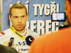 DRŽITEL STANLEY CUPU HRAJE ZA TYGRY. Martin Škoula získal s Colorado Avelanche v roce 2001 hokejovou trofej v NHL. Třikrát také hrál s reprezentací na mistrovství světa a olympiádě, do Liberce přišel z týmu KHL Slovanu Bratislava.