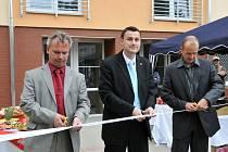 Slavnostní otevření nového bytového domu. Dům byl úspěšně zkolaudován 30. dubna 2008, slavnostní otevření proběhlo 26. května a noví obyvatelé domu se do něho budou moci stěhovat od 28. května.