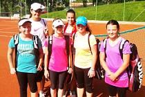 LTK LIBEREC. Zleva jsou: Natálie Pokorná, Natálie Kohoutková, Bára Pokorná, Veronika Bencová, Markéta Petruželová, Michaela Tomasová.