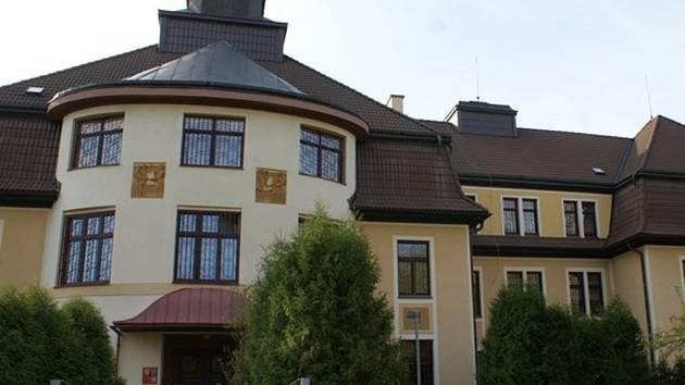 Výchovný ústav, dětský domov se školou, střední škola, základní škola a školní jídelna v Chrastavě