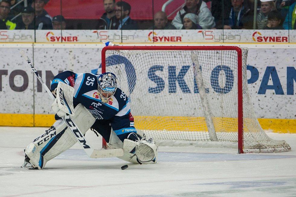 Utkání 47. kola Tipsport extraligy ledního hokeje se odehrálo 4. února v liberecké Home Credit areně. Utkaly se celky Bílí Tygři Liberec a HC Sparta Praha. Na snímku je brankář Roman Will.