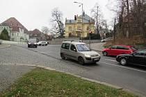 JEDNO Z MÍST, kvůli kterému se územní plán posunul, je křižovatka Klášterní Jablonecká, kudy má vést vnitřní městský okruh.