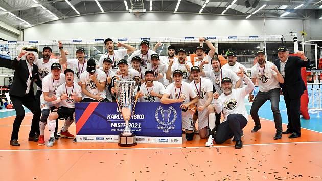 VK ČEZ Karlovarsko přidalo po triumfu v UNIQA extralize do své sbírky i Superpohár, když Liberec porazilo 3:1 na sety.