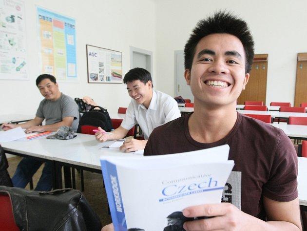 KUBA alias Tran Mau Luu rozumí nejen češtině, ale i humoru. Studovat chce strojařinu.