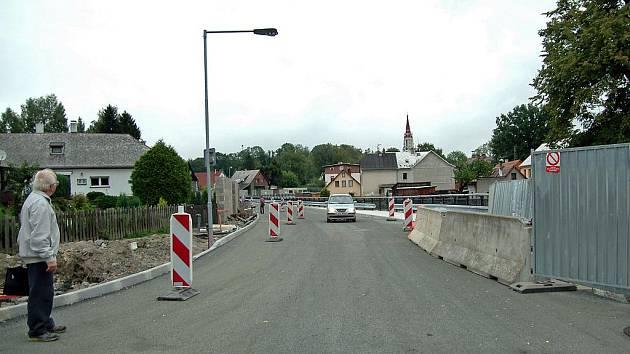 Znovuotevřená Pobřežní ulice v Chrastavě.