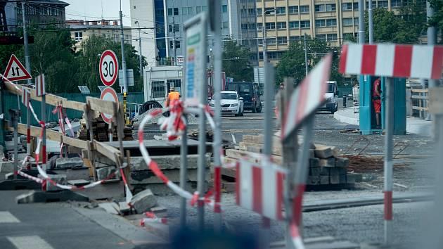 Ilustrační snímek. Oprava silnice