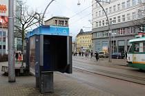 Zrušená telefonní budka na Fügnerově ulici v Liberci.