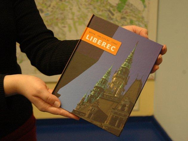 """Kniha """"Město Liberec""""."""