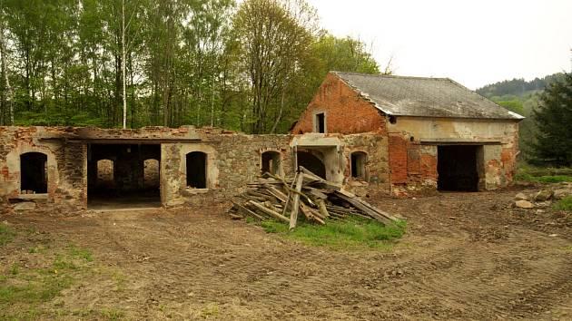 Ruiny pracovního tábora v Chrastavě.