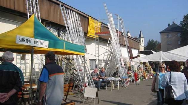 PŘES 17 TISÍC LIDÍ. Minulý ročník veletrhu v Liberci si nenechalo ujít přes 17 tisíc návštěvníků.